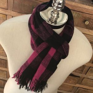 Pink/black check fringed oblong winter scarf